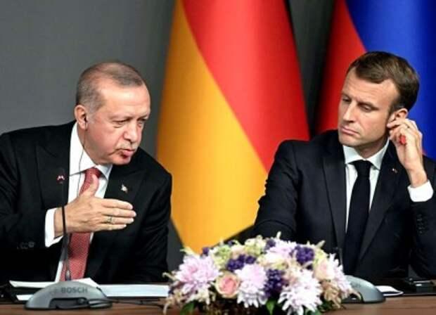 Эрдоган идет к полному разрыву отношений с Западом