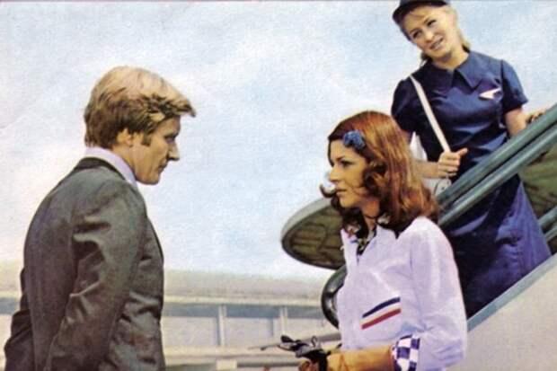 """Необычайно известная когда-то на родине актриса Антония Сантилли в 1970-х годах взорвала советский кинематограф. Она исполнила роль Ольги в эффектной комедии """"Невероятные приключения итальянцев в России"""". Как ни удивительно, это было последнее появление 24-летней звезды на экране. """"РГ"""" решила выяснить, как очаровательная иностранка появилась в большом кино, и куда она пропала."""