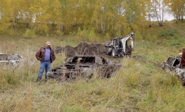 Положили под землю три авто: через год раскопали и попробовали завести