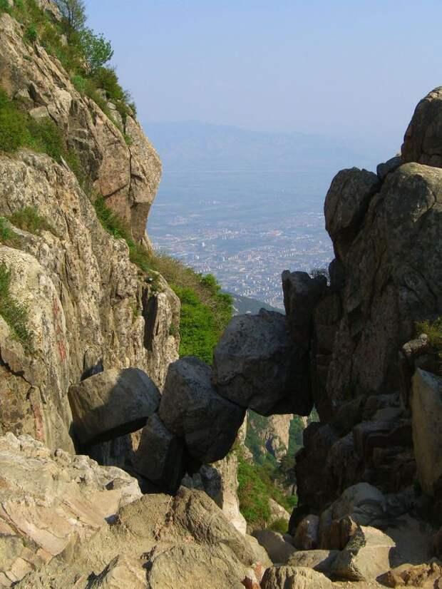 Бессмертный мост в горах Таи (4 фотографии), photo:2