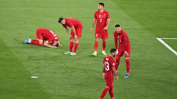 Турция проиграла семь из семи стартовых матчей на Евро и ЧМ