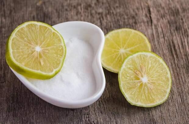 Сочетание соды и лимона решит проблему с помадой / Фото: syl.ru