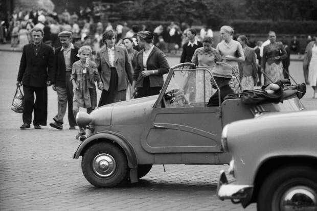 Теплые «ламповые» фотографии времен СССР с советскими автомобилями