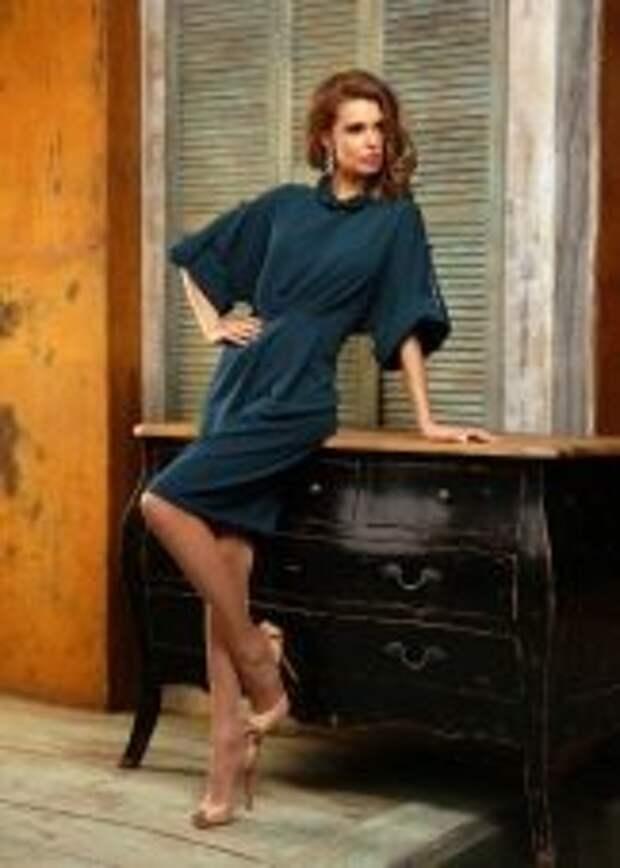 Платье с рукавом летучая мышь деловое