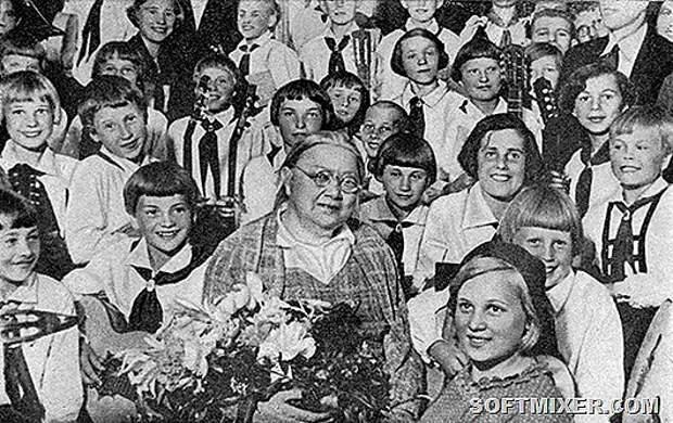 krupskaya-pionery-1936