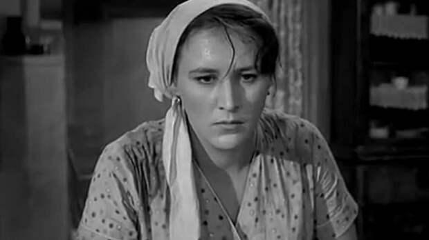 Кадр из к/ф «Простая история» (1960). | Фото: pimg.mycdn.me.