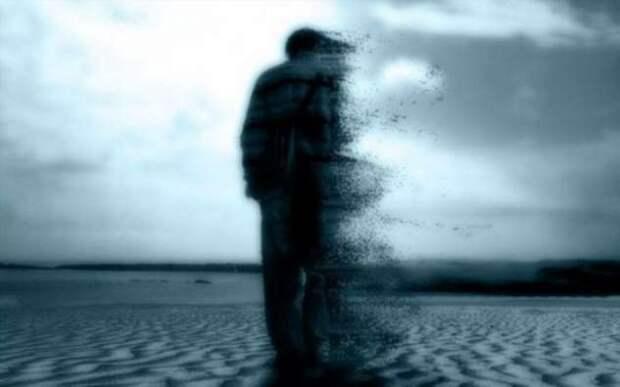 Если вернуться в прошлое, то путешественник исчезнет в нём (4 фото)