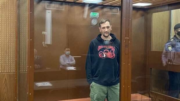 Гособвинитель настаивает на условном сроке для Олега Навального