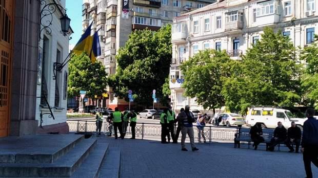 Украинский подросток зиганул ветерану при возложении цветов