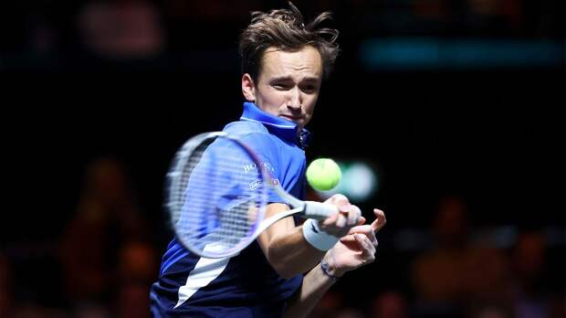Медведев вышел в 1/8 финала «Мастерса» в Париже на отказе Андерсона