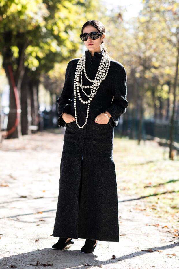 Как носить бусы и не выглядеть старомодно: современные сочетания