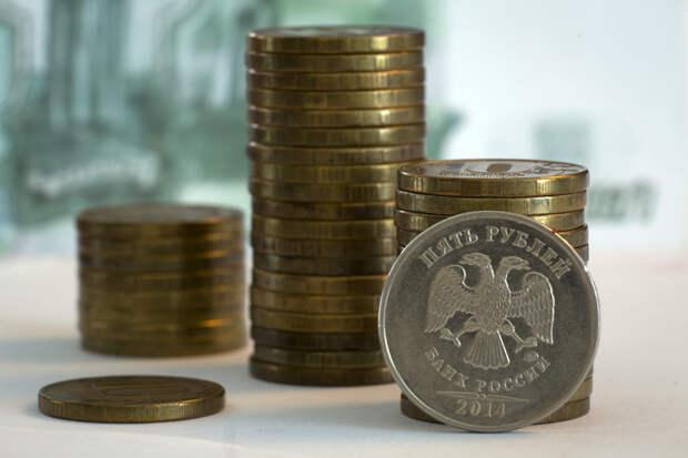 Финансист рассказала, как заработать на растущем рубле