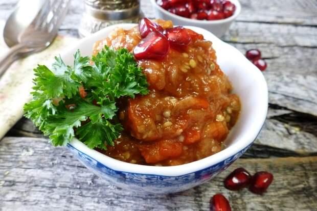 Фото к рецепту: Пинджур - балканская икра из запеченых овощей