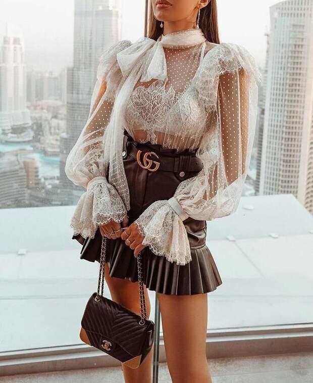 Прозрачная блуза – хит весны 2021: 10 стильных образов