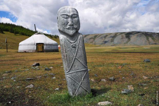 Их называют по-разному. Исконное древнетюркское название – «бәдіз» («badiz»), в некоторых регионах – «мүсін» («musin»)...