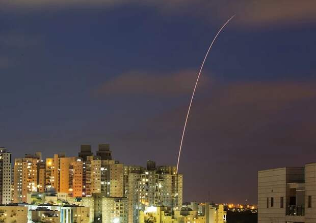 ХАМАС запустило десятки ракет по Тель-Авиву и Ашдоду