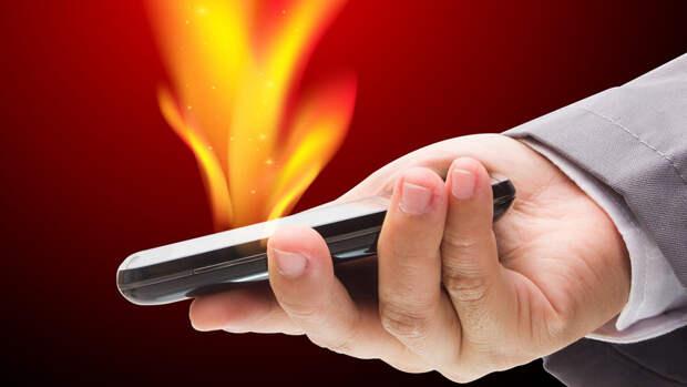 Эксперт рассказал, что нельзя делать с нагревшимся смартфоном