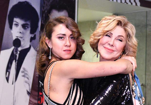 Илья Резник о конфликте Успенской с дочерью: «Это Божья кара Любе за её жизнь, поступки и грехи»