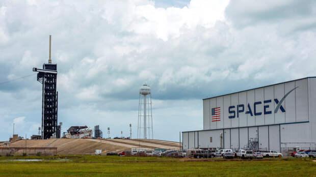 SpaceX выиграла контракт по доставке астронавтов на Луну