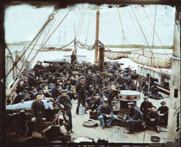 Для чего моряки растягивали сети выше борта парусного корабля