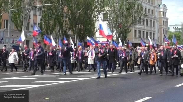 Слезы счастья, радость и танцы: в ДНР отметили годовщину референдума о самоопределении