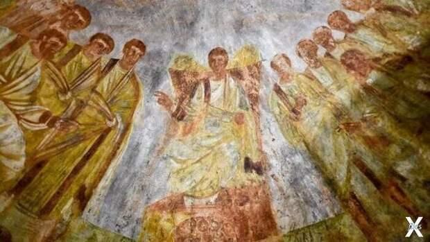 Изображение Христа с фрески в римских...