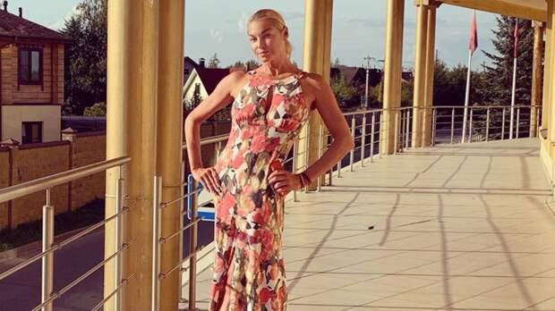 """Балерина Анастасия Волочкова заявила, что Большой театр """"погряз в проституции"""""""