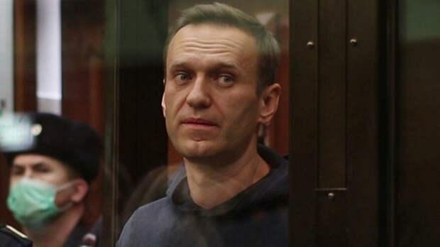 """В Кремле прокомментировали сообщения о """"критическом"""" состоянии Навального"""