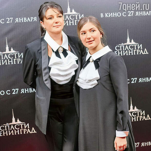 «В семью пришла болезнь»: Анастасия Мельникова заразилась вместе с дочерью