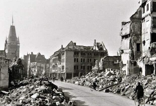 Бомбардировка Фрайбурга: как лётчики люфтваффе по ошибке уничтожили собственный город