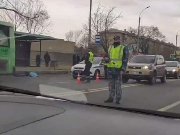 Рейсовый автобус насмерть сбил пешехода на трассе в Уссурийске (видео)