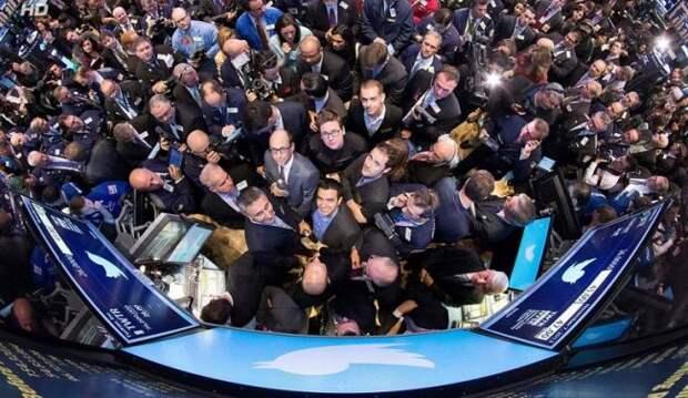 Акции Twitter упали почти на4% после блокировки аккаунта Трампа