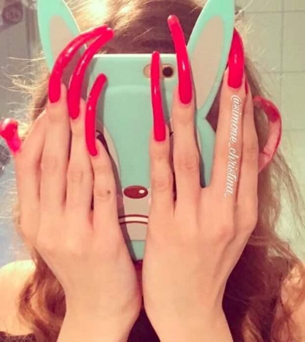 Она уже привыкла к длинным ногтям девушка, длина, ногти