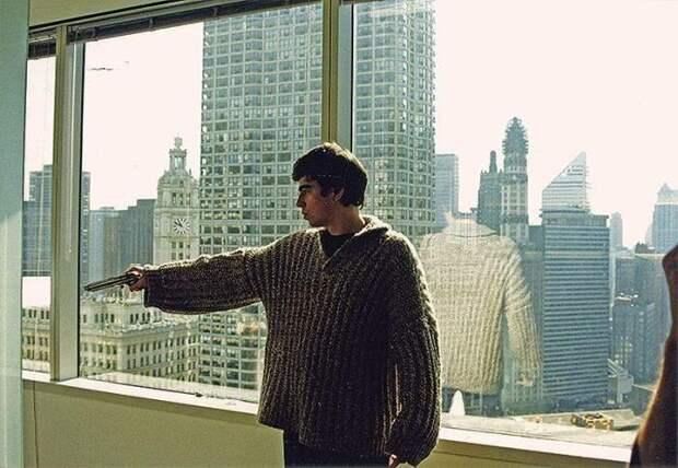 Сергей Бодров на съемках фильма *Брат-2*, 2000 | Фото: timeallnews.com