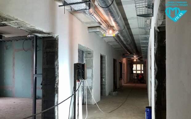Работы по монтажу водопровода и канализации в поликлинике на Флотской на стадии завершения