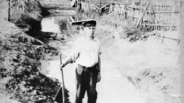 """""""Видеть душой"""": как слепой ветеран создал музей в память жертв ВОВ"""