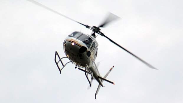 Вертолет AS 350 едва не устроил катастрофу в магаданском аэропорту