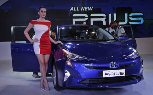 Toyota подешевела, но осталась самым дорогим автомобильным брендом