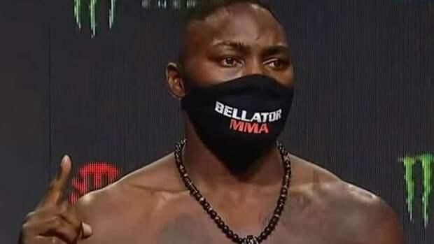 Джонсон дебютировал вBellator спобеды нокаутом
