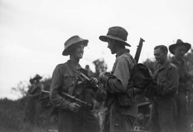 Офицеры 9-й пехотной дивизии в перерыве между боями awm.gov.au - «Адский остров»: трагедия 18-й японской армии | Военно-исторический портал Warspot.ru