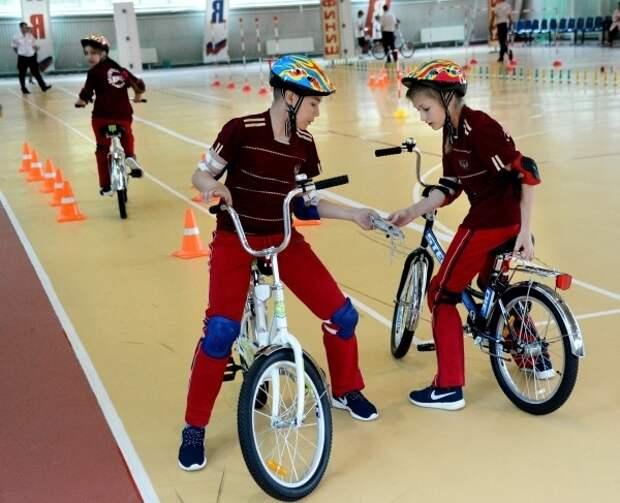 В Госдуме предложили выдавать детям права на вождение велосипеда