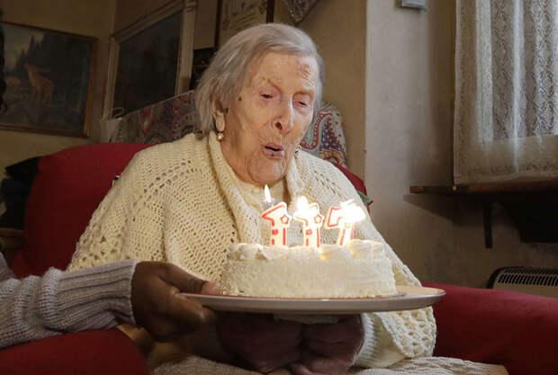 Женщина, рожденная в 19 веке, отпраздновала свое 117-летие Эмма Морано, долгожители, книга рекордов гиннеса, удивительные факты
