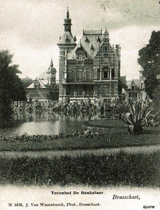 Пряничный домик был создан по изображению реального особняка, в котором и проходили съёмки картины.