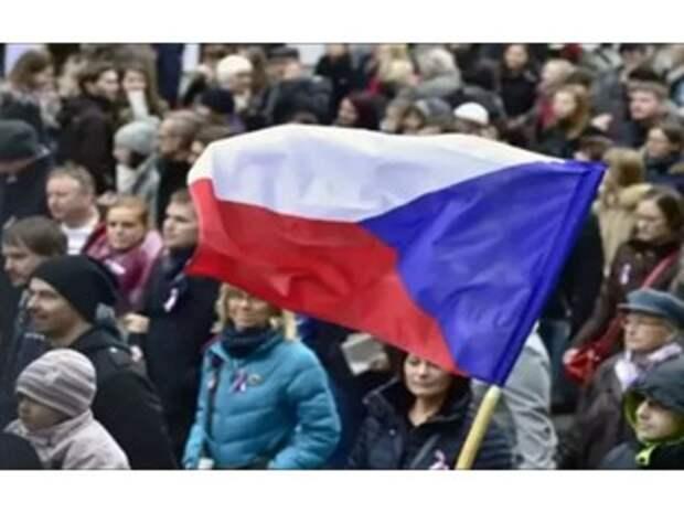 Чeхи на грaни экономического кризиса из-за разрыва отношений с Россией! Бизнес начал умолять о помощи