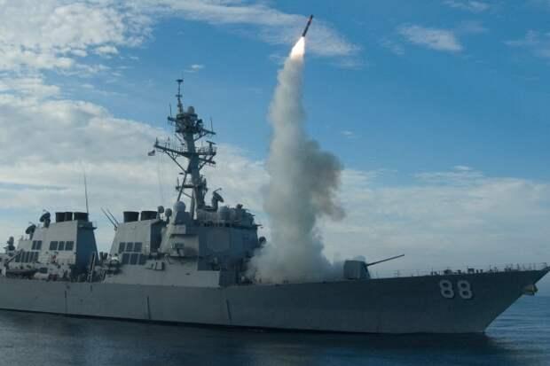Российский боевой корабль сбил две передовые американские ракеты SM-6