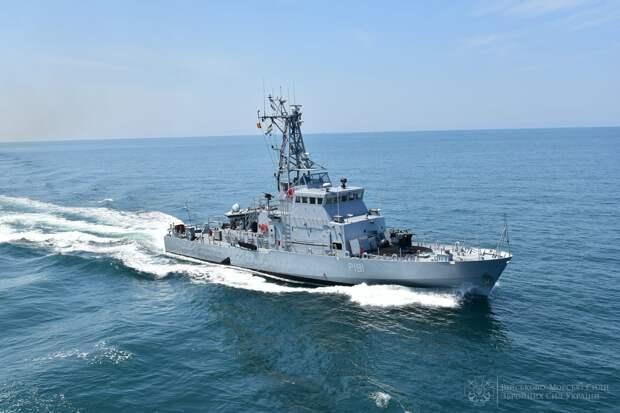 Появились фото военных учений Украины и Великобритании в Черном море