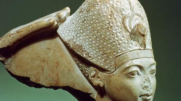 Почему у древнеегипетских статуй отбитые носы: истинная причина