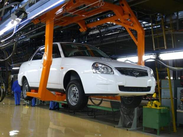 Названа цена Lada Priora c «роботом»