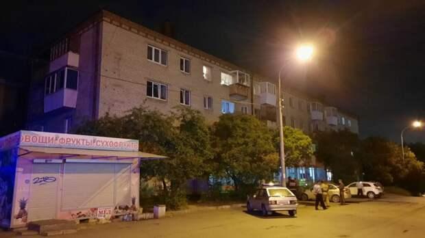 В Екатеринбурге экс-полицейский стрелял по прохожим с балкона. Есть пострадавшие