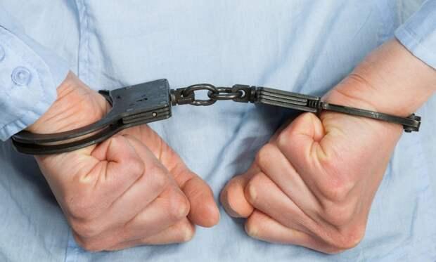 Мужчина арестован за то, что засовывал лезвия бритвы в тесто для пиццы